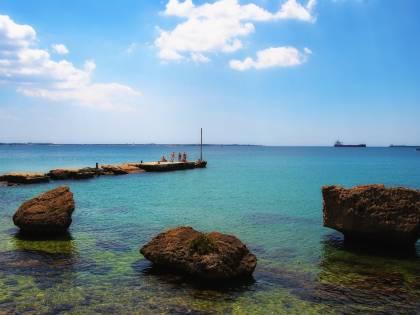 Il piano grillino su Taranto. Svendere il porto ai cinesi