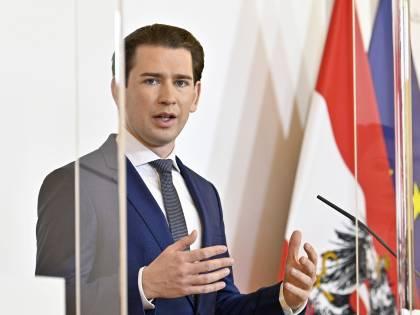 Il modello austriaco in difesa del Cenone: lockdown per un mese e tamponi di massa