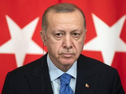 Aggressivo, cinico e doppiogiochista. Il Sultano non può restare nella Nato