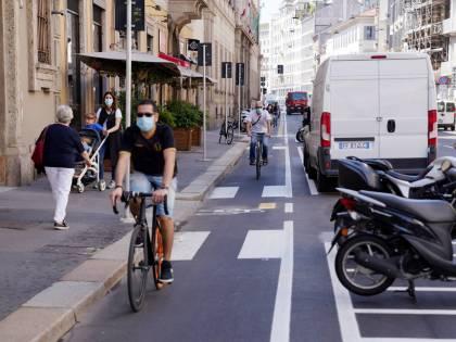 """Ora Sala fa il """"gretino"""": a Milano vietate le pubblicità delle auto se non sono """"verdi"""""""