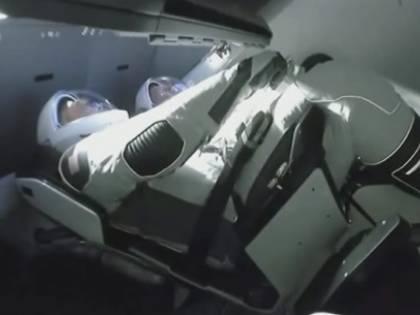 Esulta ancora Elon Musk: ammaraggio perfetto per la Crew Dragon di SpaceX, rientrata sulla Terra