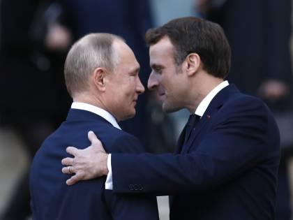 La partita a scacchi di Macron: così avvicina la Francia a Putin