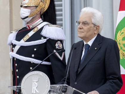 """Festa della Repubblica, Mattarella: """"Crisi non finita, serve coesione"""""""