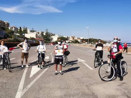 """Altra figuraccia delle """"sardine"""": pedalata in Liguria finisce male"""