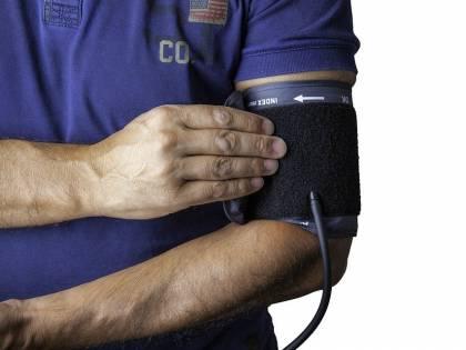 Coronavirus: chi soffre di pressione alta rischia di più la vita