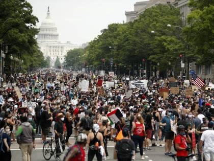 Washington in strada per Floyd. E la Casa Bianca ora è blindata