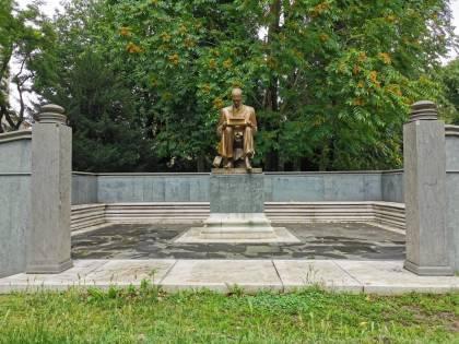 Radical chic contro Montanelli, ancora polemiche sulla statua