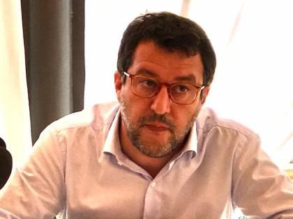 """""""Trattate con l'Est"""", """"Vergogna"""" E ora è lite tra Conte e Salvini"""