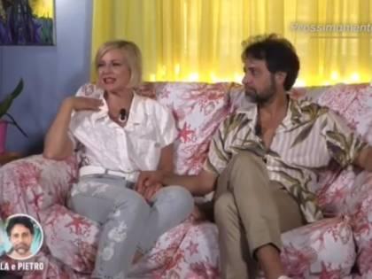 """""""Mi stuzzica l'idea"""", """"Ti toccano...?"""" Ancora scintille tra la Elia e Pietro"""