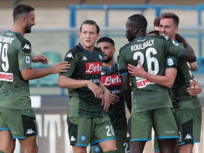 Serie A, il Napoli sbanca 2-0 Verona. Vincono Parma, Cagliari e Torino
