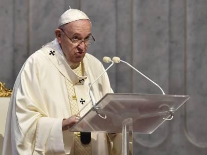"""L'appello del Papa: """"Il vaccino si deve fare. Negazionismo suicida"""""""