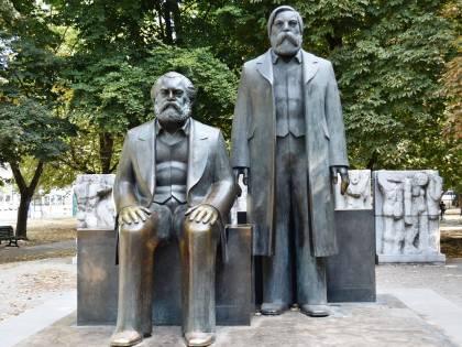 Quando il compagno Engels faceva il tifo per la razza ariana