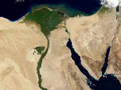 A caccia del mitico canale dei Faraoni come Indiana Jones
