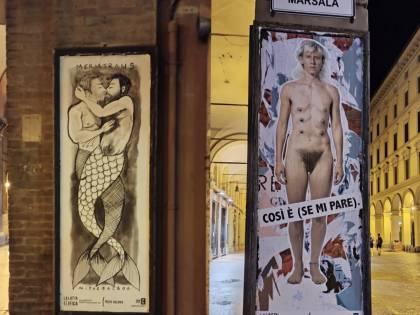 Corpi nudi e transgender affissi per le strade, la nuova trovata delle femministe