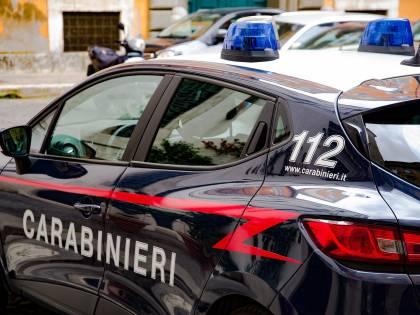 Ladri forzano posto di blocco: carabiniere investito