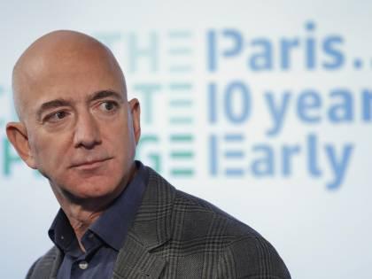Amazon, assegno da 2 miliardi per le case popolari negli Usa