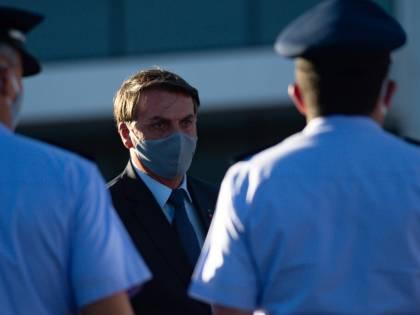 """Bolsonaro è positivo al Covid: """"Ma non ho già più la febbre..."""""""