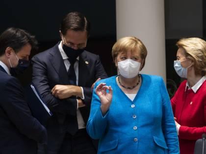 Crisi di nervi, liti e pugni sbattuti: la notte di fuoco a Bruxelles