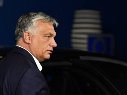"""Orban prepara la """"rivoluzione"""" e scatena i giovani ungheresi"""