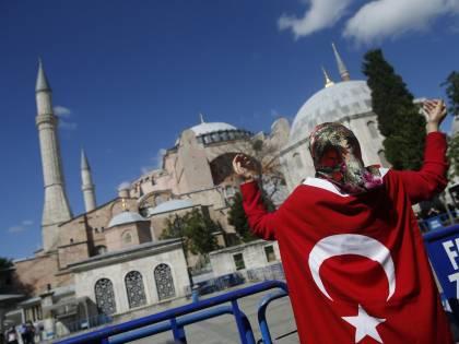 Lo schiaffo in faccia a Erdogan. Costruita una nuova santa Sofia