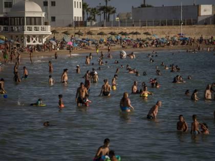 Covid, ansia per i nuovi focolai in Europa: dove non fare le vacanze