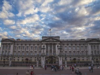 Maxi rissa tra Guardie e servitù: imbarazzo a Buckingham Palace