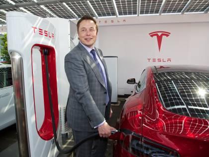 Tesla sbanda sull'S&P 500. Ma vale più di 600 miliardi
