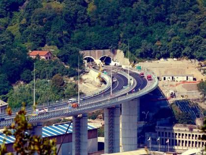 Soddisfazione e rabbia: Genova inaugura il nuovo ponte