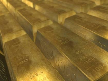 L'oro sfonda quota 2mila. Vertice Usa-Cina sui dazi
