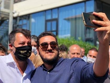 Salvini e la mascherina fascista. Perché l'attacco è una bufala