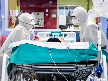 Quel doppio danno ai polmoni: così il virus uccide i contagiati