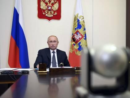 "L'""arma di Putin"" ora va bene: adesso l'Ue vuole lo Sputnik V"