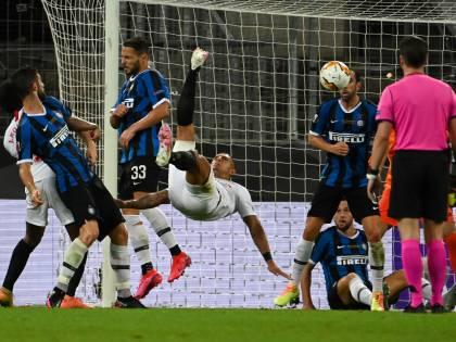 Lukaku, Fenomeno a metà e l'Inter torna pazza. Fa festa ancora il Siviglia