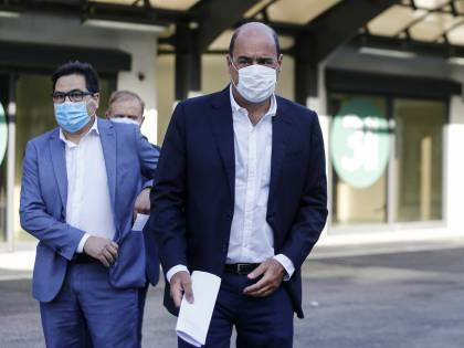 """Le """"mascherine fantasma"""" di Zingaretti ora restano bloccate nei depositi"""