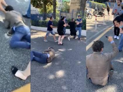 Parcheggiatori abusivi pestano il consigliere regionale della Campania Borrelli