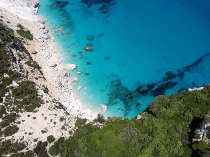 Sardegna, da lunedì sull'isola solo con test negativo al Covid