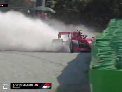 "Che ""botta"" per Charles Leclerc: si schianta a 220 km/h a Monza"