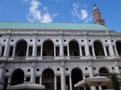 Da Palladio alla pallavolo. Così Vicenza schiaccia la sua Piazza dei Signori