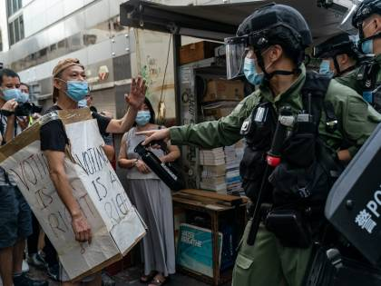 Quasi 300 arresti a Hong Kong nel giorno del voto che non c'è