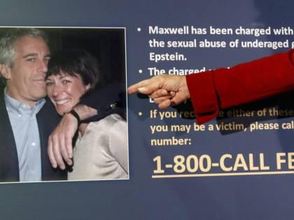 """Donna afferma: """"Epstein e la Maxwell abusarono di me nel cottage nel bosco"""""""