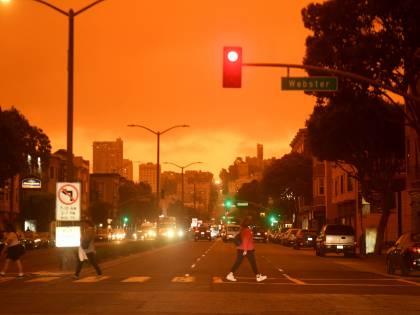 Inferno di fuoco nell'Oregon: morti e mezzo milione in fuga