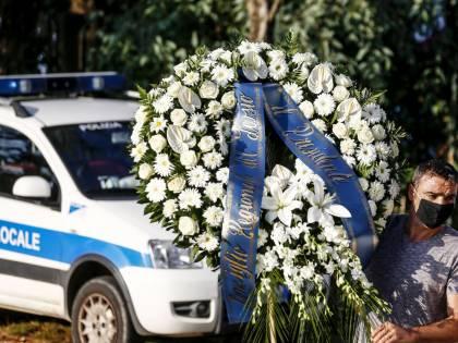 I funerali di Willy al campo sportivo di Paliano