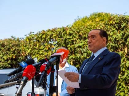 """Berlusconi dimesso dall'ospedale: """"Prova più dura della mia vita"""""""