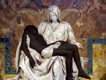 """Nel nome del buonismo """"cambiano"""" la Pietà: Gesù diventa nero"""