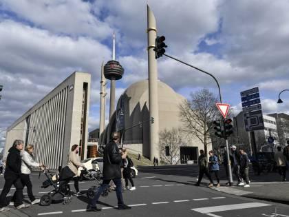 L'islamismo legalista, un nuovo incubo per la Merkel