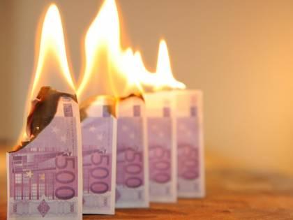 Ora arriva l'addio ai contanti: 3.000 euro sul conto corrente