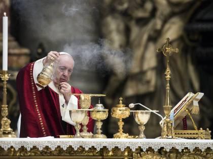 """""""Il Papa è scandalizzato: farà pulizia. Più controlli e finanze centralizzate"""""""