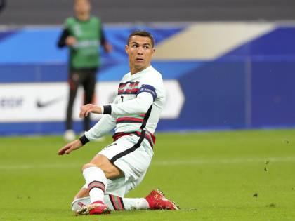 La sfida Messi-Ronaldo più triste di sempre. E con vista Tour Eiffel...