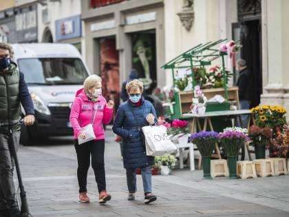 Negozi, ristoranti e passeggiate: cosa cambia in queste Regioni