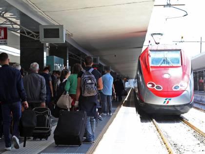 Orrore sul treno Milano-Lecce: trovato cadavere carbonizzato